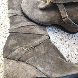 Suede boots me too!/ Botas de gamuza para mujer